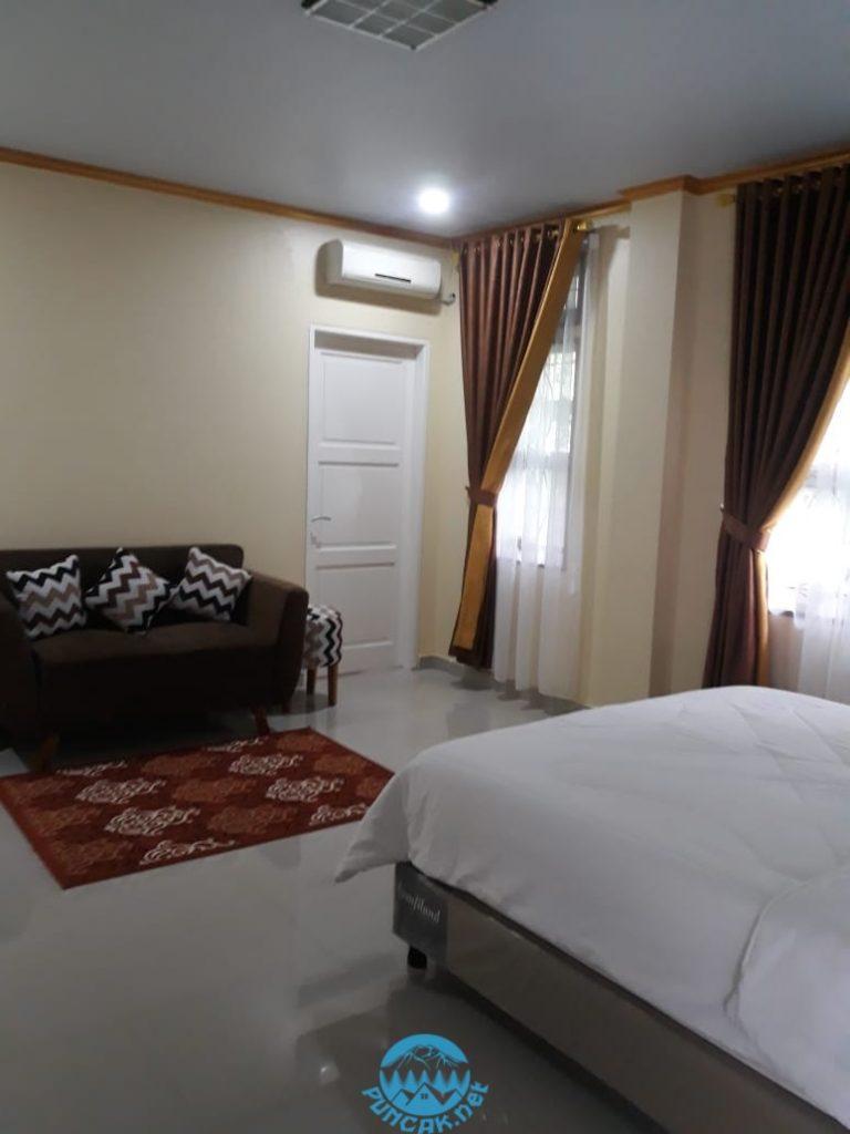 Villa Belanda Newheaven 3 Kamar Dekat Taman Bunga Nusantara