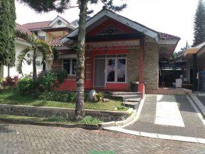 Alamanda C1-3, Sewa Villa Kota Bunga Dekat Kolam Renang 3 Kamar Tidur