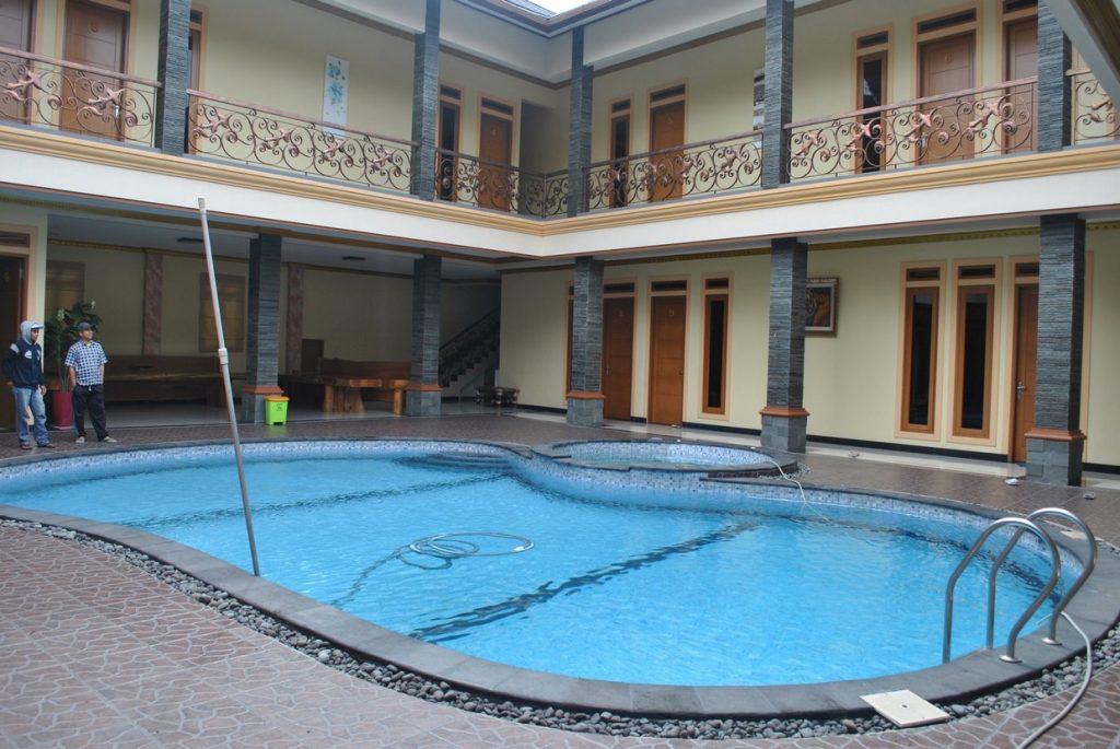Villa Hanjawar, Sewa Villa Di Puncak 10 Kamar Kolam Renang Pribadi