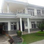 Villa DN Cipanas Puncak 3 Kamar Kolam Renang Pribadi Dekat Taman Bunga