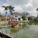 Villa SRJ Puncak Kolam renang pribadi