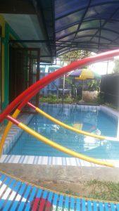 villa di kota bunga ada kolam renang
