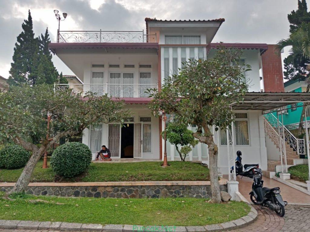Villa Mewah Di Puncak