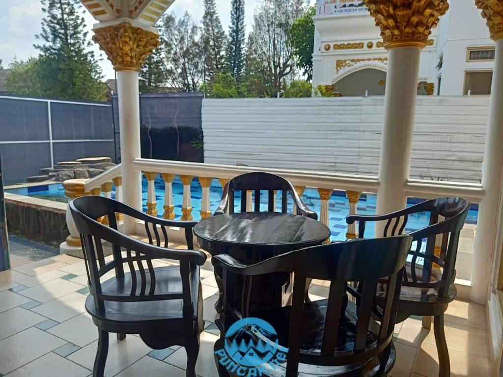 Villa Viktoria 6 Kamar Di Puncak Untuk Keluarga Dengan Kolam Renang